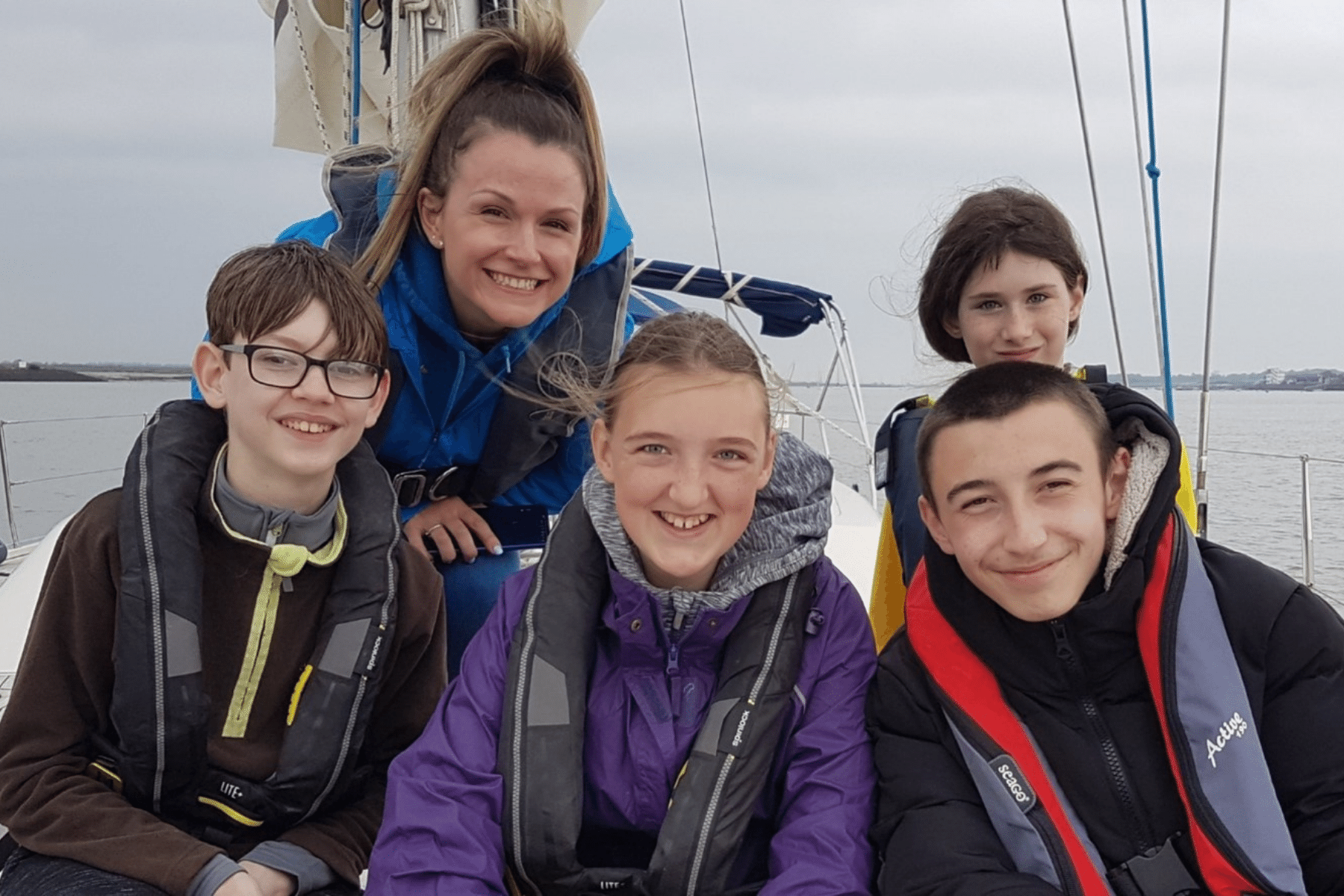 Youth Links head out on yacht with Rannoch Adventure for half term